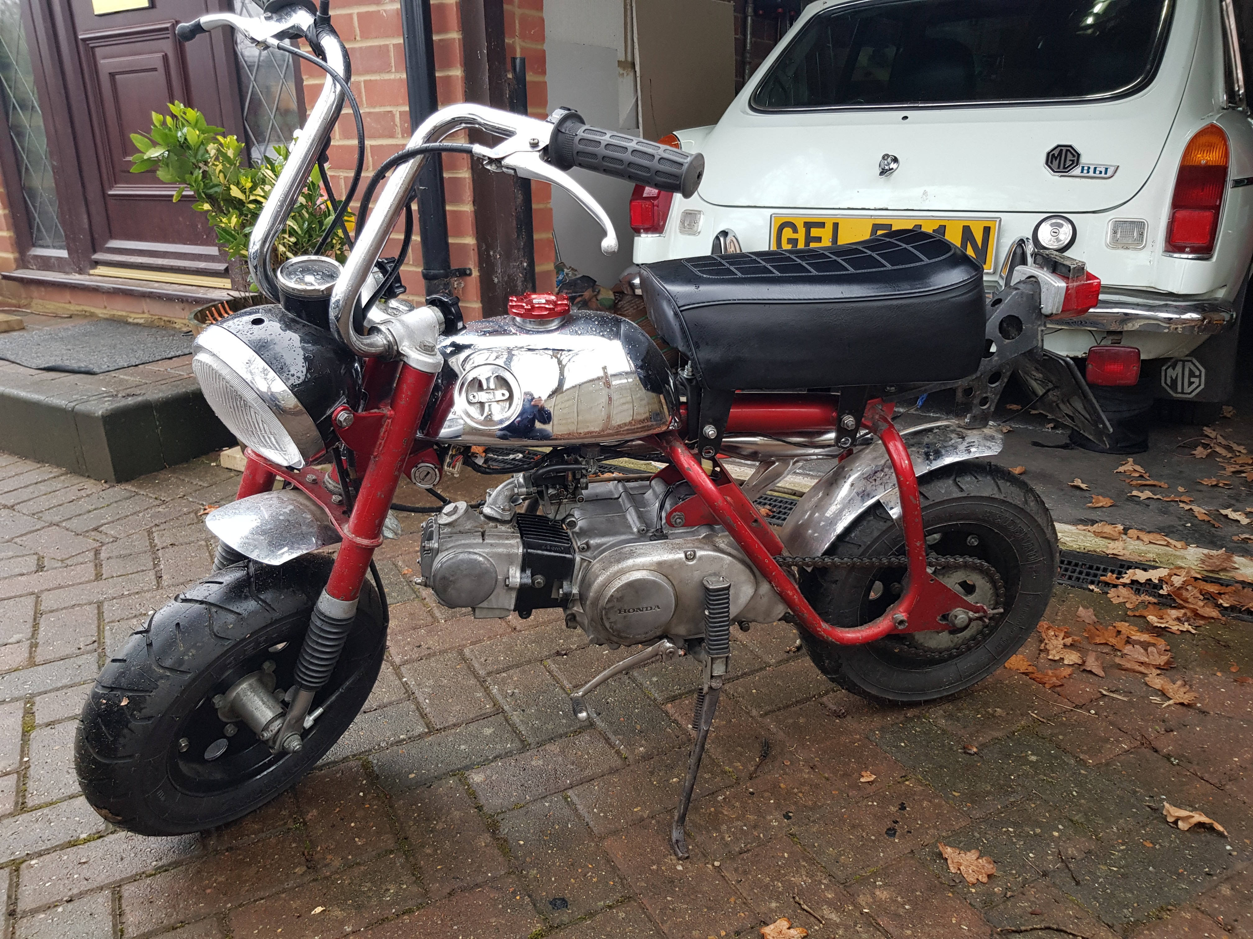 Circa 1970 Honda Monkey Bike Project Resto Page 4 Overclockers Ct70 Valve Guide Done A Bit Of Polishing On The Engine Block When It Was Out Along With Lot De Greasing But Flywheel Cover Is Going To Need Some Work